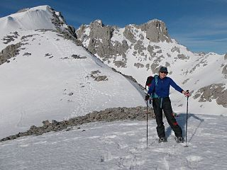 Snowshoeing in the Picos central massif